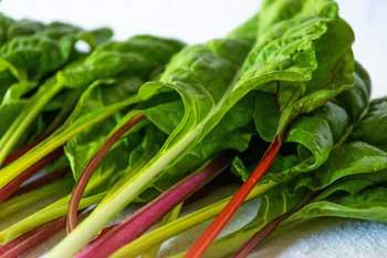 Leafy greens for an alkaline diet